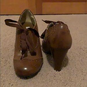 Brown vintage lace up heels